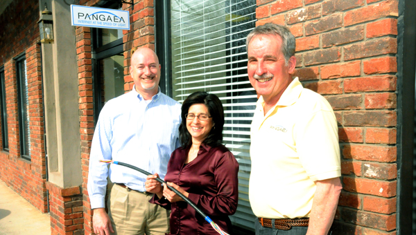 Ron Walters, Carolyn Whitehead and Stu Davidson of PANGAEA want more people to know about the company and the benefits fiber-optic Internet can provide. (photo by Kirk Gollwitzer)